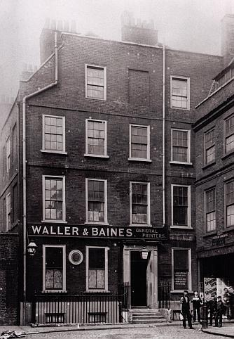Dr Johnson's House in 1911, when being used as a workshop by printers Waller and Baines.