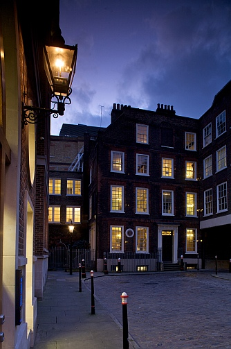 Dr Johnson's House and Gough Square at Twilight